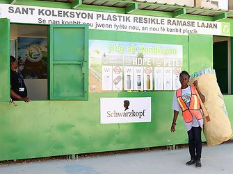 Plastic Bank: People in Haiti can collect plastic waste in exchange for money or social services