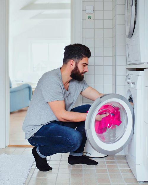 customer-loading-washing machine