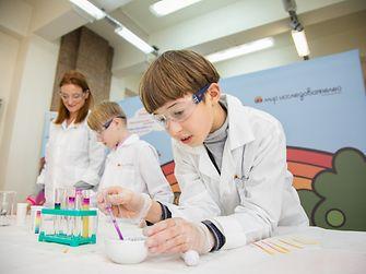 открытые уроки программы «Мир исследователей Henkel» в рамках Дня немецкого языка