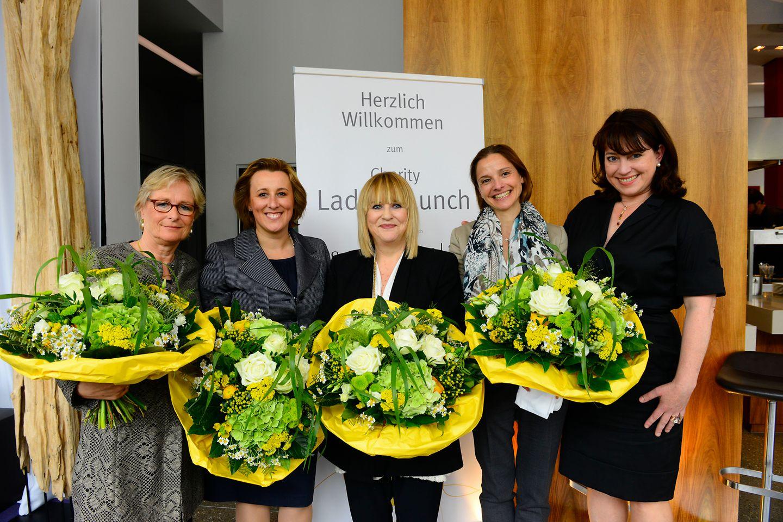 Marina Ruperti (Moderatorin), Marie-Eve Schröder (Henkel), Patricia Riekel (Chefredakteurin BUNTE), Annamaria Englebert (Henkel) und Ruth Neri (DKMS LIFE)