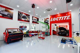 Centro de entrenamiento y aplicaciones en reparación para la industria automotriz - Vista Loctite