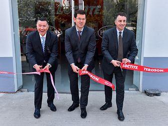 Centro de entrenamiento y aplicaciones en reparación para la industria automotriz - Corte de listón del VRM