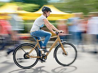 Ab sofort können Henkel-Mitarbeiter in Deutschland Dienstfahrräder leasen – eine umweltschonende Transportalternative