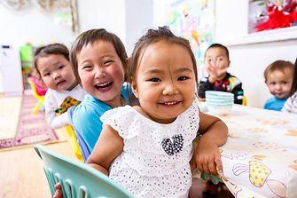 Somat und Pril unterstützen UNICEF im Kampf gegen Mangelernährung