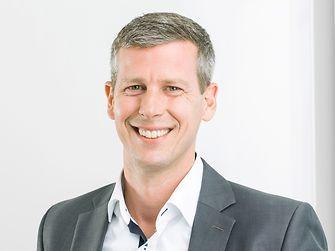 Oliver Klewe, Business Development Manager für Möbel und Holzbaukomponenten bei Henkel
