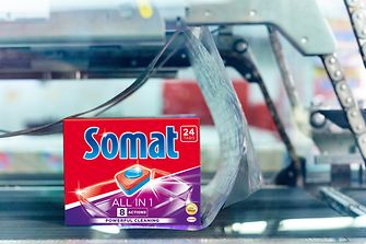 Sustainable transport packaging for Somat products: The shrink film used in various European markets now contains more than 50 percent recycled material.