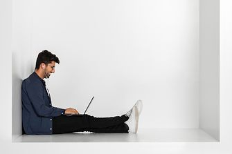 Employee completing online training