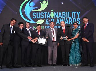 Henkel India team members receiving the Leaders award during the Sustainability 4.0 Awards ceremony organized by Frost & Sullivan and The Energy and Resources Institute (TERI).