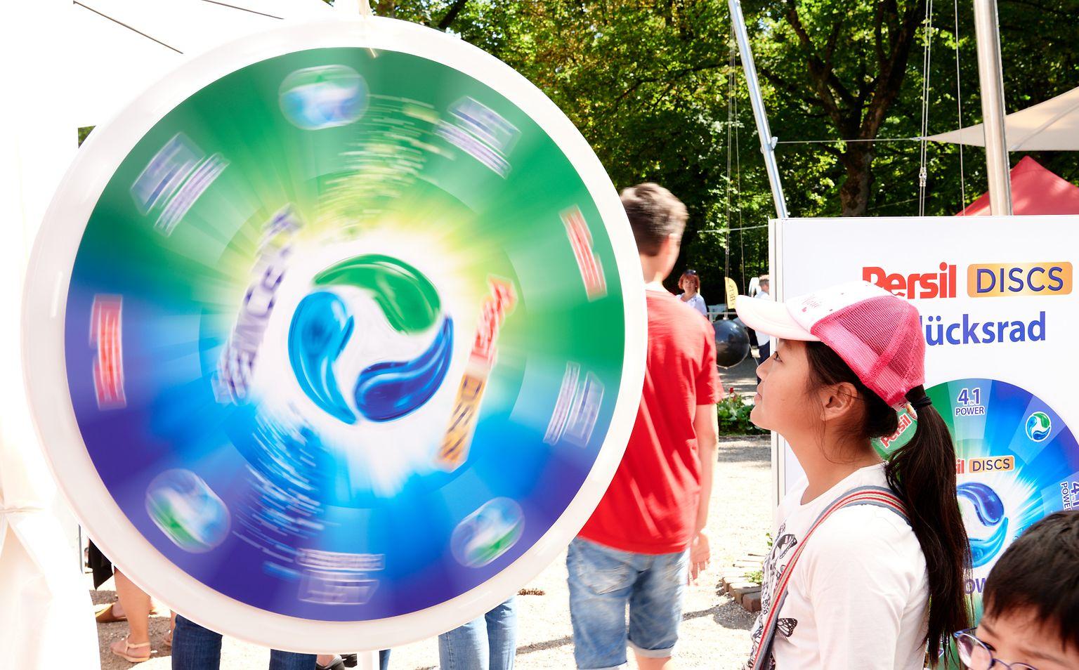 Der Henkel-Markenparcours bot den Gästen viele Gewinnspielchancen.