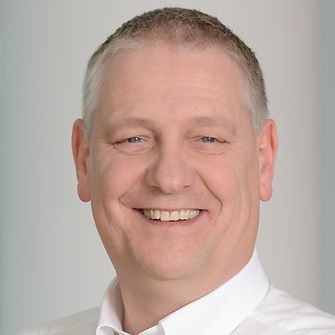 Dr. Müller-Kirschbaum, Co-Chairman of the Sustainability Council at Henkel and Leader of international Research and Development Laundry & Home Care