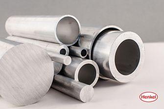 Henkel-Verfahren helfen Aluminiumverarbeitern Kosten zu sparen und Oberflächen zunehmend nachhaltiger vorzubehandeln.