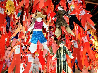 Henkel employees crafted 2.300 figurines expressing their dreams as a child