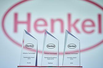 Adhesive Technologies verleiht Supplier Awards an Eastman, BYK und EVONIK